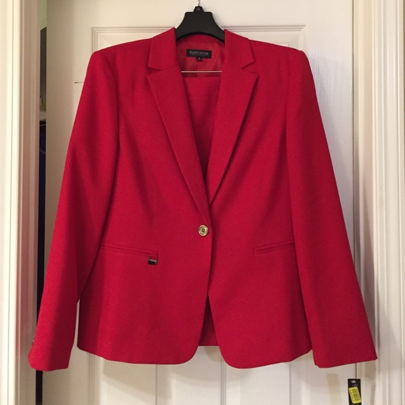 171f3f9888a67 Red John Meyer Collection Skirt Suit. Size 16.