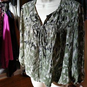 Max studio Medium blouse  olive green/black
