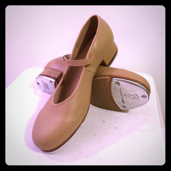 75% off Bloch Shoes - Bloch Techno Tap Leather Nude Heels size 7 1 ...
