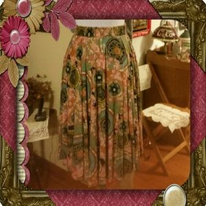 classic  Dresses & Skirts - Gorgeous Skirt- Size Small