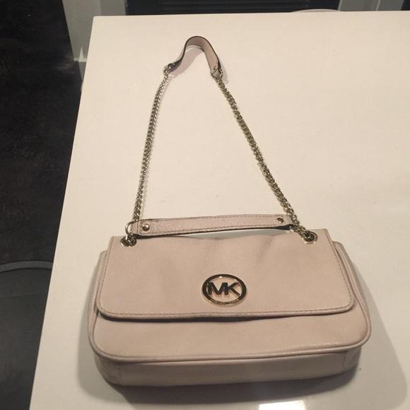 d46428e33987a7 Michael Kors Bags | Price Drop Two Way Shoulder Bag | Poshmark