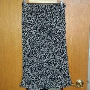 New! Cute Black & White Skirt