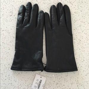 J. Crew Accessories - 🆕LISTING! J. Crew smart tech leather gloves