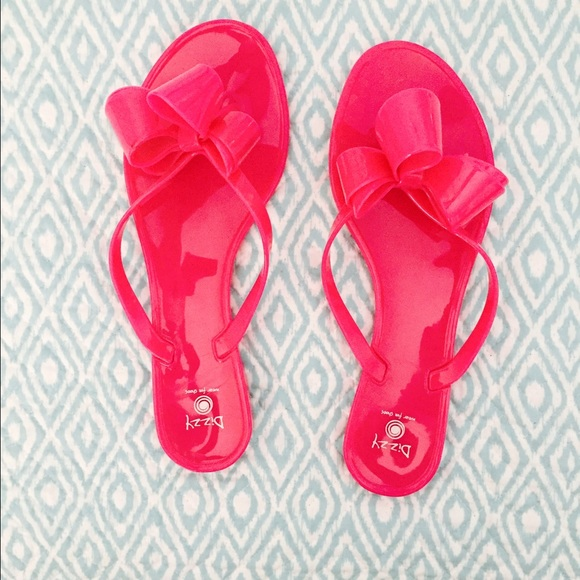 c09a2c842e3c0a Dizzy Shoes - Hot pink flip flops