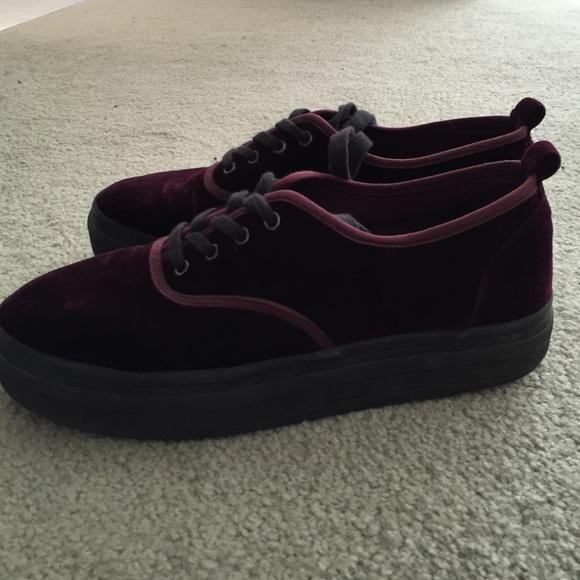 986b842a668e H M Shoes - H M velvet platform sneakers!