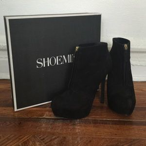 Shoemint black nubuck platform booties