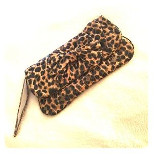 Handbags - Cheetah Print Handbag/Wristlet.