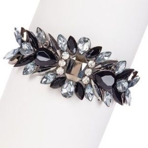 Meghan Fabulous Jewelry - ⚡️NWB⚡️Fallen Leaves Cuff in Black