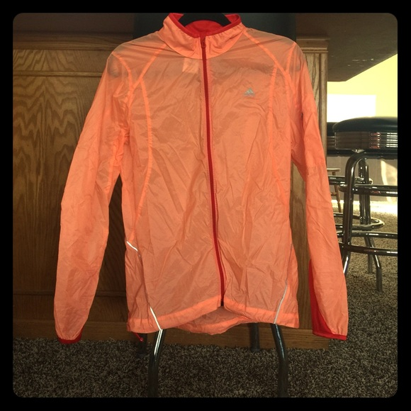 beautiful in colour new varieties forefront of the times Adidas size medium lightweight rain jacket running