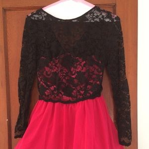 Dresses & Skirts - Pink and black lace long sleeve dress