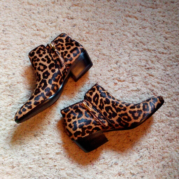 d8ad60a3e NWT Sam Edelman Petty leopard calf hair ankle boot