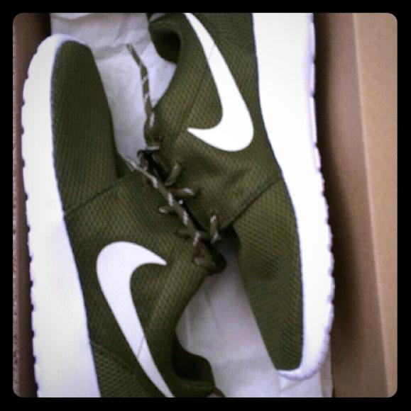 a5340114d2ec Nike Roshe One. M 56a5444fbf6df5913800a001