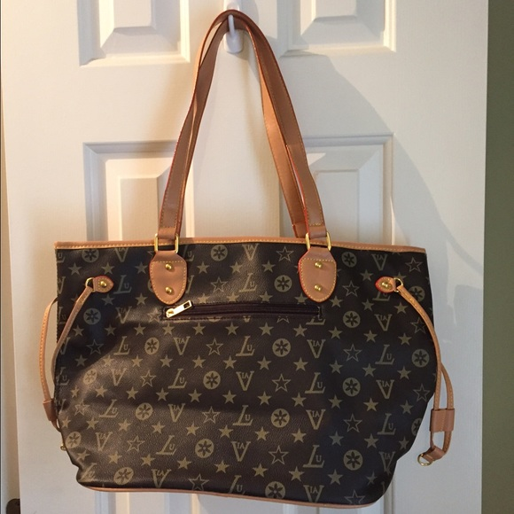72a8d772644 FAKE Loius Vuitton Handbags - FAKE Louis Vuitton purse. Again this is a FAKE !