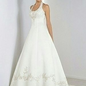 Alfred Angelo Dresses & Skirts - Alfred angelo Wedding dress size 12