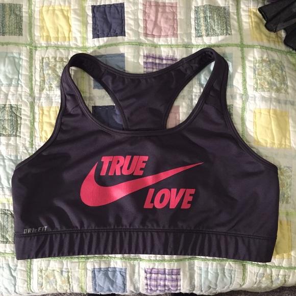fb93291cb0b5d ... Nike True Love Sports Bra. M 56a56707ea99a6bb2104d378