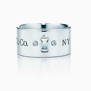 Tiffany & Co. Ring with keyhole