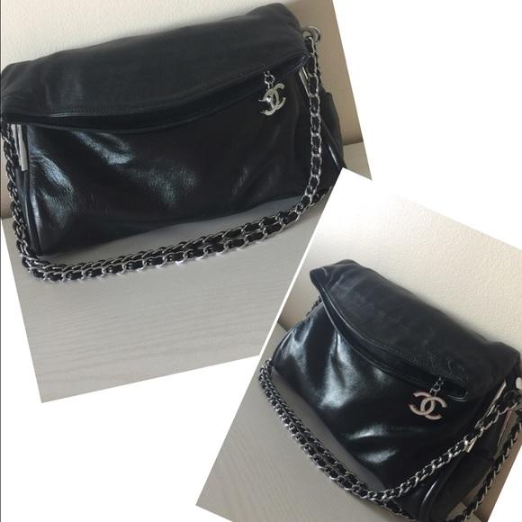 d305870cf3925e CHANEL Handbags - 💐HP💐100% authentic Chanel black foldover bag