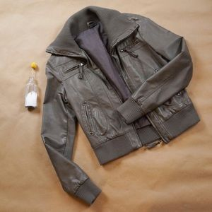 URBAN OUTFITTER - Faux Leather Bomber Jacket