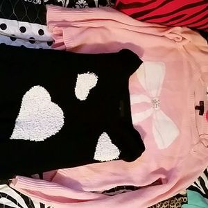 2 sweaters Pink and Black