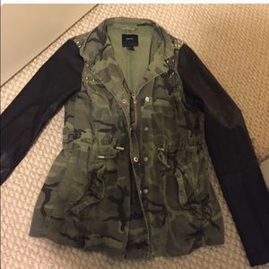 Military camo jacket with leather sleeves