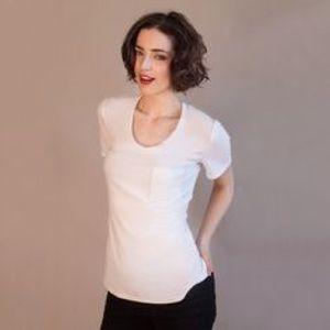 Timeless white cotton tee - Elizabeth & Clarke