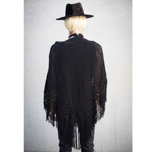 Rue21 Sweaters - 🎉HP🎉🆕 w/tags Fringe Net Poncho Wrap Edgy Witchy