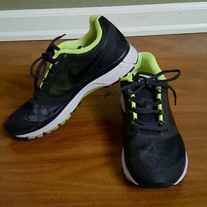 4578c3142ad0 Nike Shoes - Women s Nike Zoom Vomero 8 Shield Running Shoes