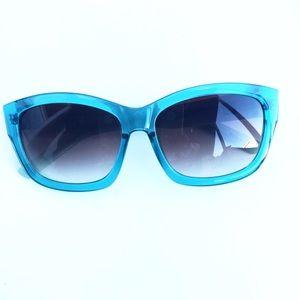 GAP Accessories - Gap Cool Water Blue Plastic Sunglasses!