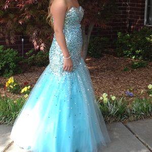 Maggie Soterro prom dress