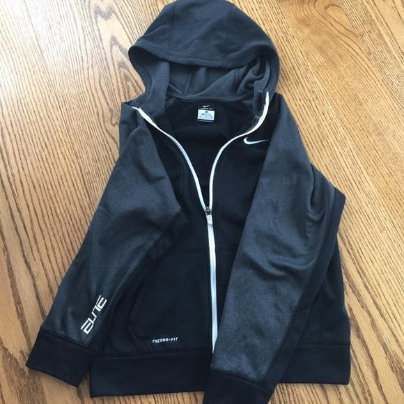 Youth Nike Elite zip up sweatshirt. M 56a66a7e9c6fcfaeb60048bb c47a852177e8