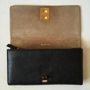 michael kors bags collection miranda continental wallet poshmark rh poshmark com