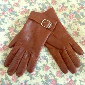 Beautiful brown Coach leather gloves