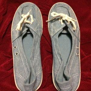 Boat shoe slip-ons