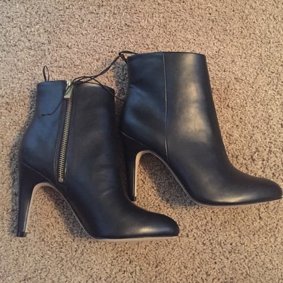 42 h m shoes brand new heel boots from danies s