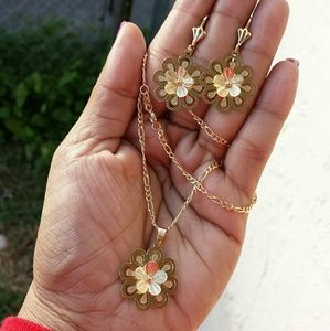 Jewelry - Gold filled necklace set