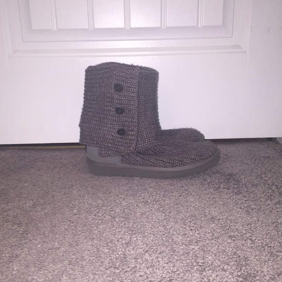 dark grey knitted uggs