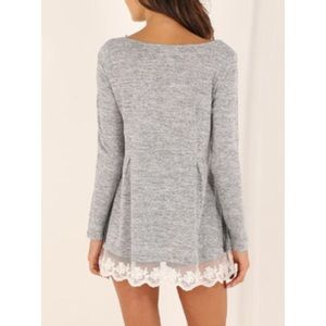 Tops - 🎉Lace hem long sleeve tunic top