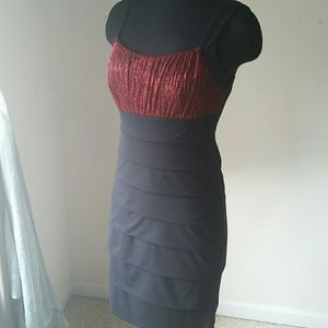 En Focus Dresses - ✳ Red Shimmer & Black Dress✳