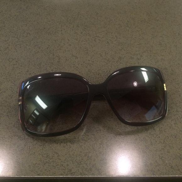 f4221e6f5f70e Gucci Accessories - Gucci Sunglasses 3188