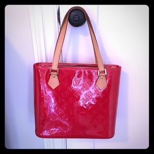 8b99c1d20d35 Louis Vuitton Bags - Louis Vuitton Vernis Red Monogram Houston Tote
