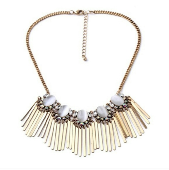 Boutique gold statement necklace similar to stella and for Stella and dot jewelry wholesale
