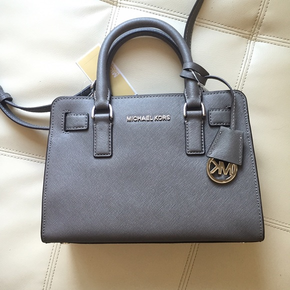 michael kors bags dillon saffiano leather satchel small poshmark rh poshmark com