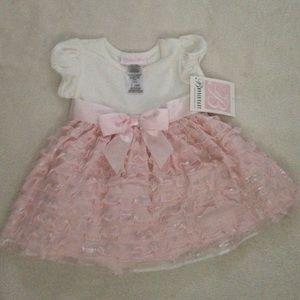 Dresses & Skirts - cute baby dress