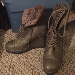 Shoes - Never worn boots