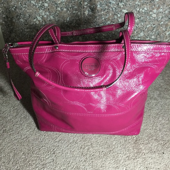 55 Off Coach Handbags Coach Hampton Signature Carryall