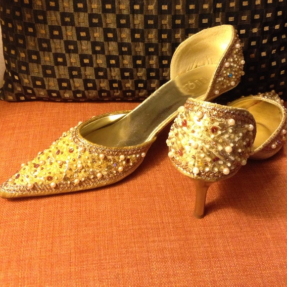 Rouge Shoes - Gold And Beaded Shoes