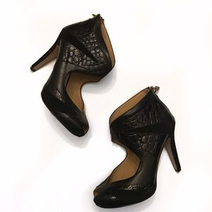 nine west | pebbled leather and suede peep toe