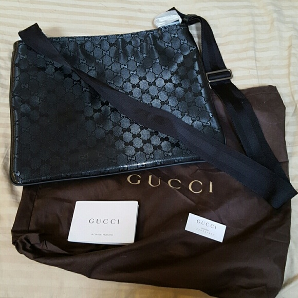 f10ca36d0fcf Gucci Bags | Authentic Imprime Messenger Bag | Poshmark
