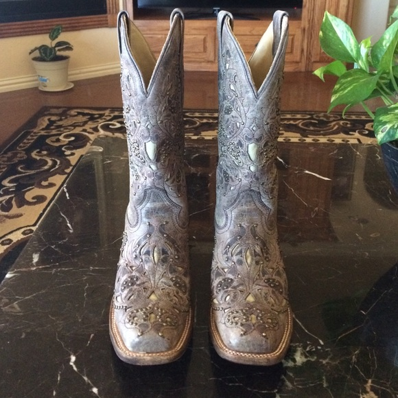 Corral Boots - Corral cowgirl boots lightly used from Lety's ...