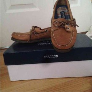 Sperrys topsider boat shoes